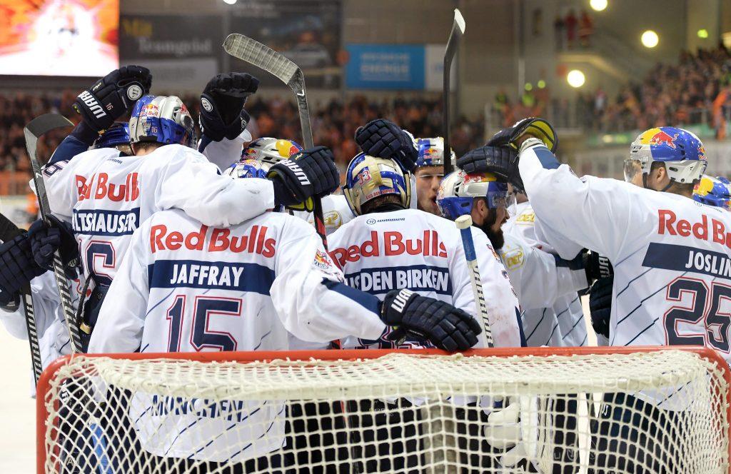 Grizzlys Wolfsburg gegen EHC Red Bull München - DEL Playoff-Finale 2