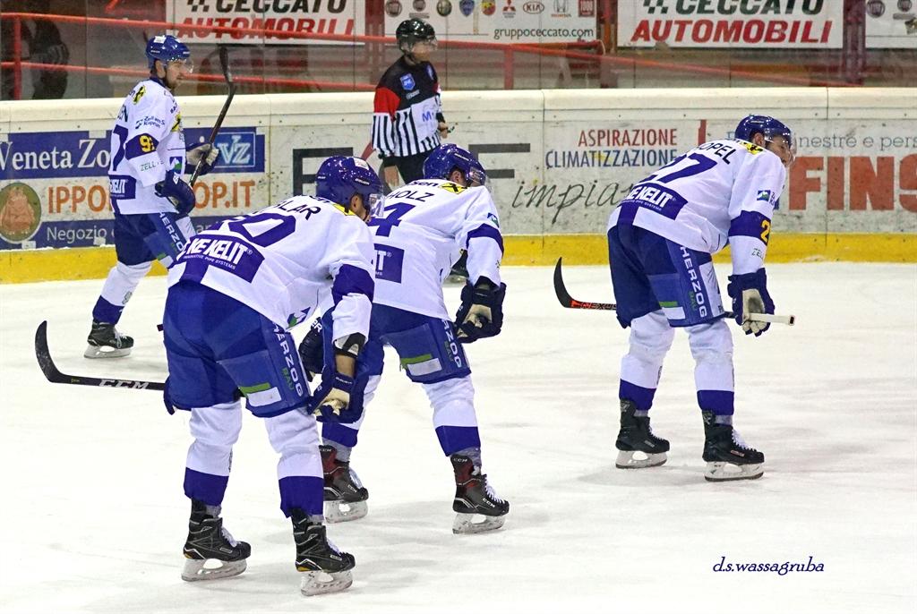 Alps Hockey League Calendario.Hockeywords Ahl Teddy Bear Toss E Orsi Polari A Jesenice